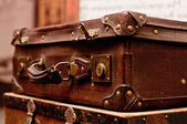 Old shabby suitcases — Стоковое фото