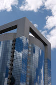 办公大楼和天空 — 图库照片