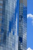 Kantoor gebouw reflecties — Stockfoto
