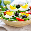 Green bewith Snap peand egg salad — Stock fotografie #40860707