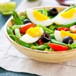 Green bewith Snap peand egg salad — стоковое фото #40860753