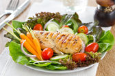 Grilled chicken and salad — Stock Photo