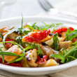 Chicken with sundried tomato and rocket salad — Stock Photo #40953627