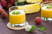 Fresh Lychee, Pineapple and Mango smoothie — Foto Stock