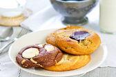 Soft cookies wth chocolate and white chocolate  — Stock Photo
