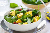Mango and Pineapple with Spinach salad — Stock Photo