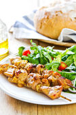 Grilled chicken skewer with salad — Foto de Stock