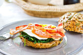 Bacon ,Egg and Spinach Sandwich breakfast — Stock Photo
