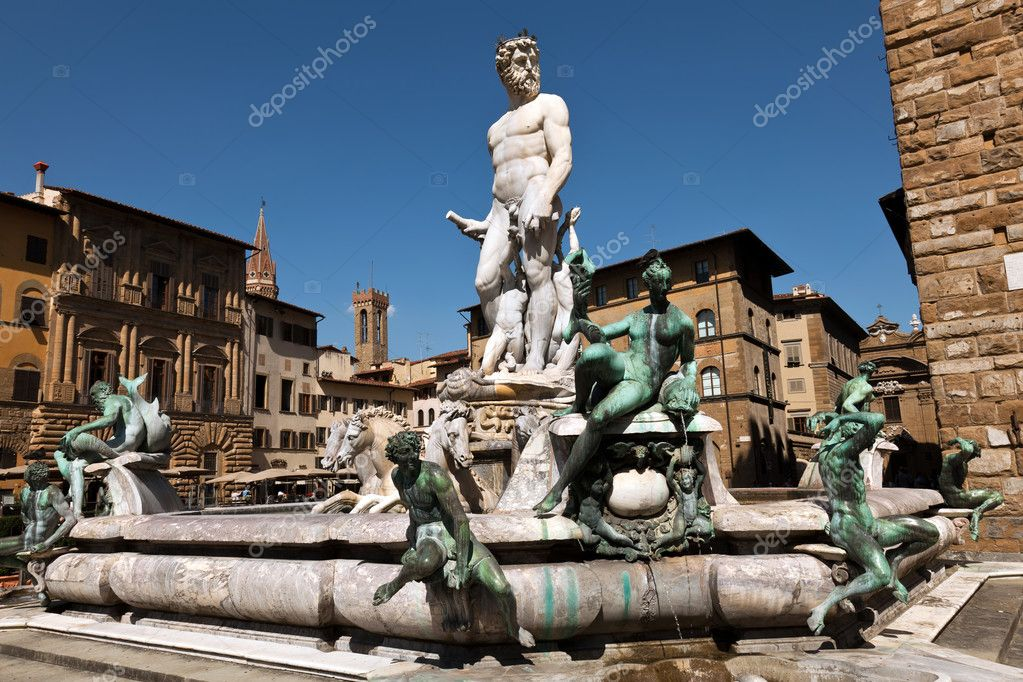 The Fountain of Neptune is a fountain in Florence, Italy, situated on the Piazza della Signoria (Signoria square), in front of the Palazzo Vecchio. — Stock Photo #12329080