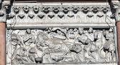 Ornamento del muro della cattedrale di san martino a lucca, italia — Foto Stock