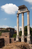 Corinthian columns of theTemple of Castor and Pollux — Stock Photo