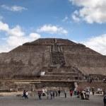 Pirámide del sol en teotihuacan, México — Foto de Stock