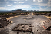 Avenue of the Dead in Teotihuacan in Mexico — Stok fotoğraf