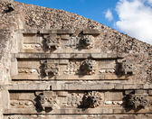 Feathered Serpent Pyramid at Teotihuacan — Stock Photo