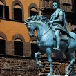 The bronze statue of Cosimo I de — Stock Photo