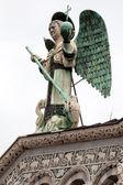 Estatua de san miguel arcángel — Foto de Stock