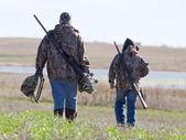 Padre e hijo de caza — Foto de Stock