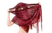 Meisje en oostelijke sjaal — Stockfoto