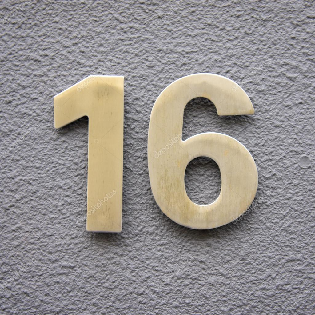 Number 16 stock photo papparaffie 38240535 for Number 16 house