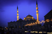 Evening mosque in Istanbul — Stock Photo