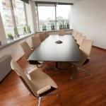 nowoczesnymi salami jasny pokój - office — Zdjęcie stockowe #23872787