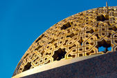 Detail of one of numerous domes on Muttrah Corniche promenade, in Muscat — Stockfoto