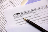 Filing tax return — Stock Photo