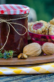 Home made raspberry jam with home made cookies — 图库照片