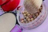 Makeup brush and cosmetics-mineral face make-up — Stock Photo