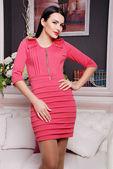 Beautiful brunette woman in fashionable stylish dress — Stock Photo