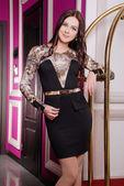 Mulher bonita elegante vestido elegante — Fotografia Stock