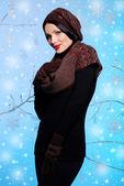 красивая девушка в зимней одежде — Стоковое фото