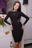 Beautiful brunette woman in fashionable stylish dress — 图库照片
