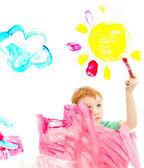 Foto de chico pintura arte en ventana — Foto de Stock