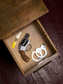 38 Revolver in Desk Drawer with Handcuffs — Stock Photo