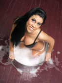 Beautiful Brunette Galvanized Steel Bath Container Hillbilly Hot — Stock Photo