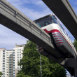 Monorail Transit Train Travels Over Neighborhood Carrying — Lizenzfreies Foto