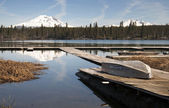 Cascade Mountain Range Rises Above Alpine Lake Oregon State — Stock Photo