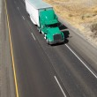 Over the Road Transport Semi Truck Hauling Cargo Containier Free — Stock Photo #31418711
