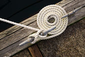 Beautiful Swirled Curled Rope Boat Bow Line Nautical Tie Down — Stock Photo