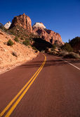 Two Lane Road Hoighway Travels Desert Southwest Utah Landscape — Stock Photo