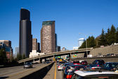 Interstate 5 Highway Cuts Downtown Seattle Skyline During Rush Hour — Stock Photo