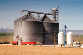 Agricultural Silo Loads Semi Truck With Farm Grown Food Grain — Stok fotoğraf
