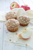 Muffins pomme cannelle miette — Photo