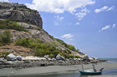 Boat on the beach and Rock mountain,Huahin Thailand — Stock Photo