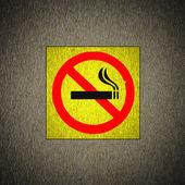No smoking symbol on grunge — Stock Photo