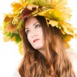 Beautiful fall woman. close up portrait of girl with  autumn wreath of mapl — Foto Stock