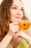Portrait of young beautiful woman with tea The concept of eating and drink — Foto Stock