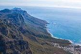 Vista panorâmica em cape town, África do Sul a partir de uma perspectiva aérea, na montanha da mesa — Fotografia Stock