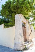 Small cretan village in Crete island, Greece. Building Exterior of home — Stock Photo